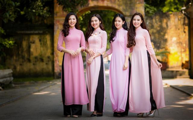 Du lịch Việt Nam: Khám phá vẻ đẹp của trang phục dân tộc