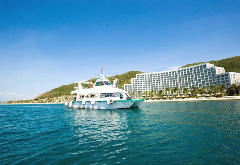 Đi du lịch Nha Trang bằng tàu thuyền