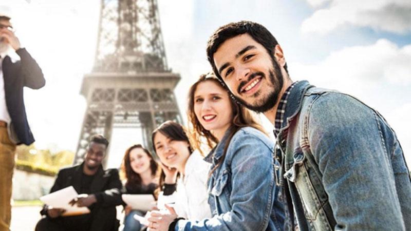 Du lịch Pháp hãy giao tiếp với người bản xứ bằng tiếng mẹ đẻ