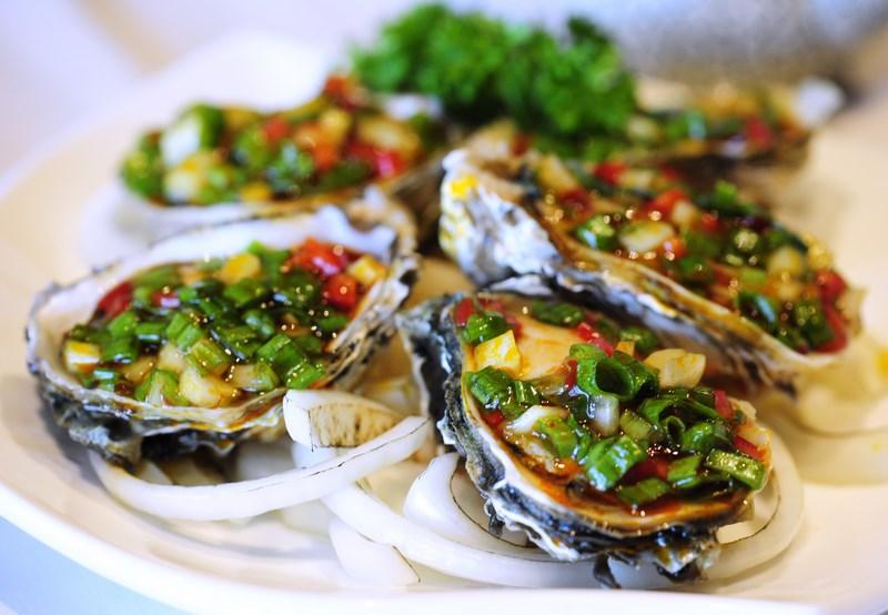 Món Hàu đá nướng mỡ hành cũng là một trong những món ăn nổi tiếng ở Nam Du