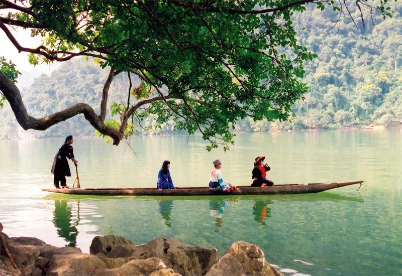Hồ Ba Bể - du lịch Đông Bắc tết dương lịch 2020