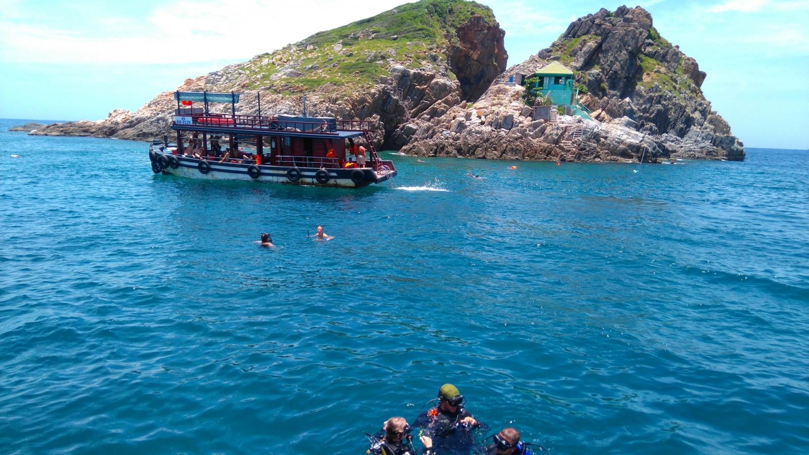 Du lịch Nha Trang - Đảo Hòn Mun