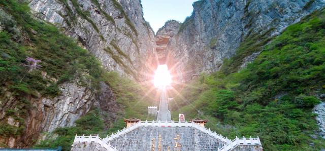 Hướng dẫn du lịch Phượng Hoàng Cổ Trấn để lại nhiều kỷ niệm