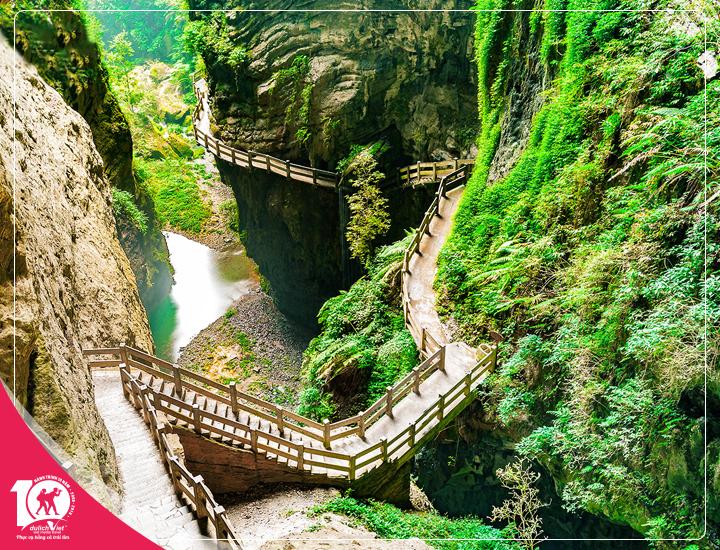Du lịch Trung Quốc Trùng Khánh – Vũ Long – Xích Thủy từ Sài Gòn giá Tốt 2018