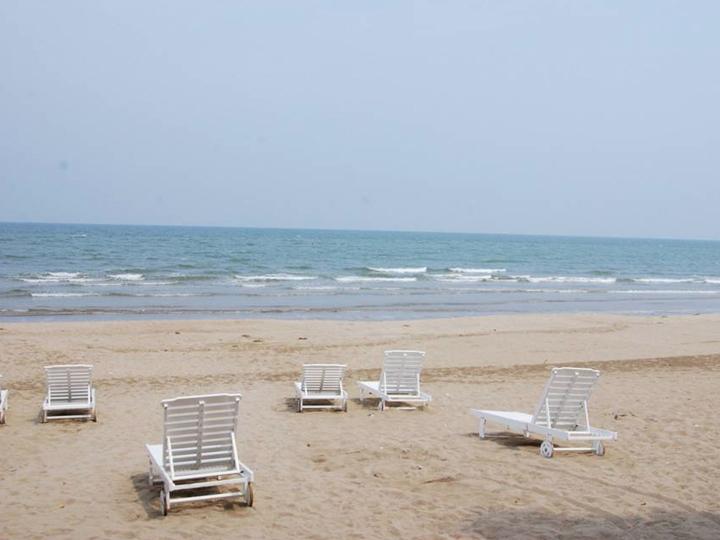 Du lịch Hải Tiến - Khám phá bãi biển hoang sơ 2 ngày 1 đêm từ Hà Nội