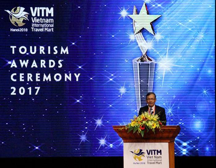 Du Lịch Việt 6 năm liền được vinh danh tại lễ tôn vinh các danh hiệu du lịch