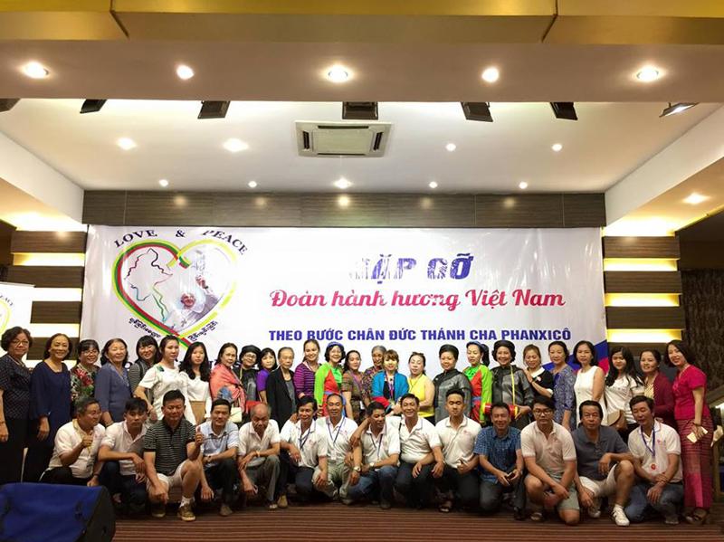 Du Lịch Việt thực hiện hóa giấc mơ diện kiến Đức Thánh Cha