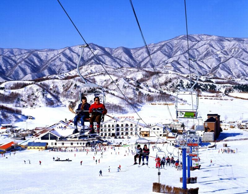 Trải nghiệm thiên đường trượt tuyết ấn tượng tại Hàn Quốc