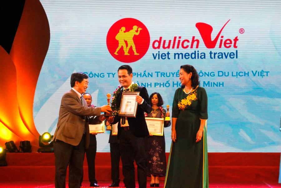 Du Lịch Việt vinh dự 5 năm liền đón nhận giải thưởng Du Lịch Việt Nam