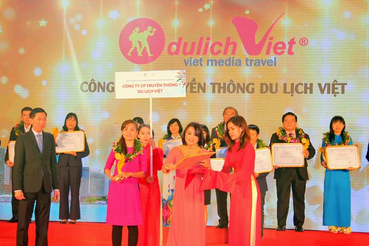 Du Lịch Việt đón nhận danh hiệu Top 3 Doanh nghiệp lữ hành Outbound hàng đầu TP.HCM
