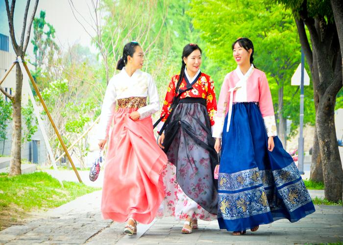 Các hoạt động truyền thống vào ngày Tết ở Hàn Quốc