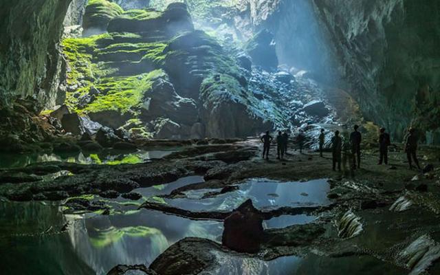 Khám phá vẻ đẹp thiên nhiên tuyệt mỹ khi tham quan hang Sơn Đoòng