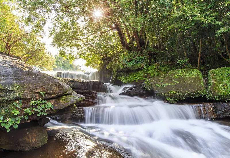Khu du lịch suối Đà Bàn là điểm đến được nhiều khách du lịch tìm đến
