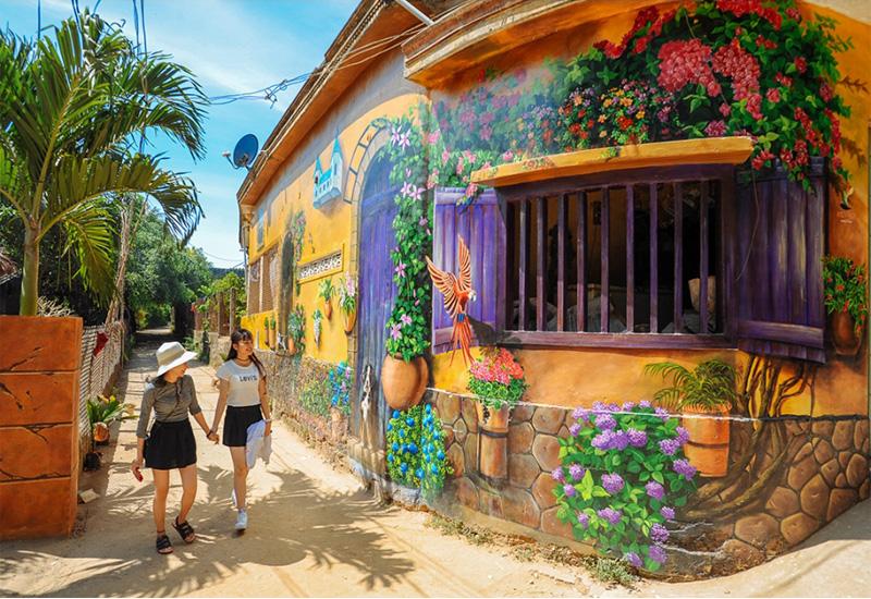 Khu làng Bích Họa Tam Thanh là một trong những địa điểm khá độc đáo ở Đà Nẵng