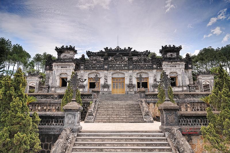 Đến khám phá những lăng mộ cổ ở Huế khi đi du lịch Đà Nẵng tết dương lịch 2020
