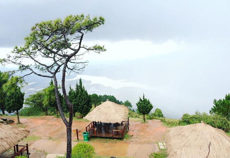 Núi Langbiang cũng là một trong những điểm đến thu hút giới trẻ đến với Đà Lạt