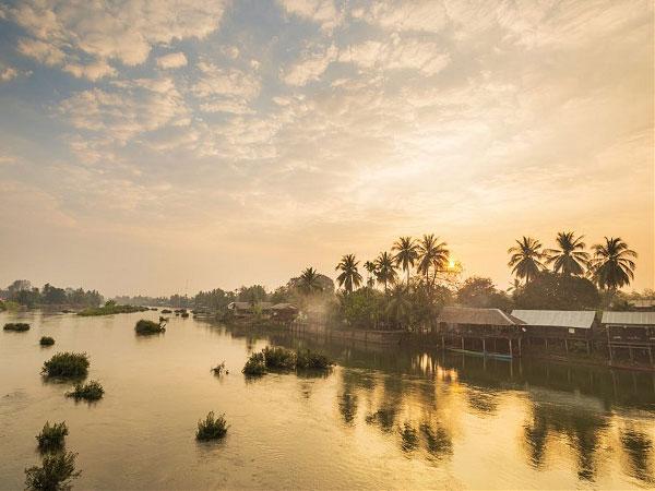 Lào được tô điểm bới dòng sông Mê Kong