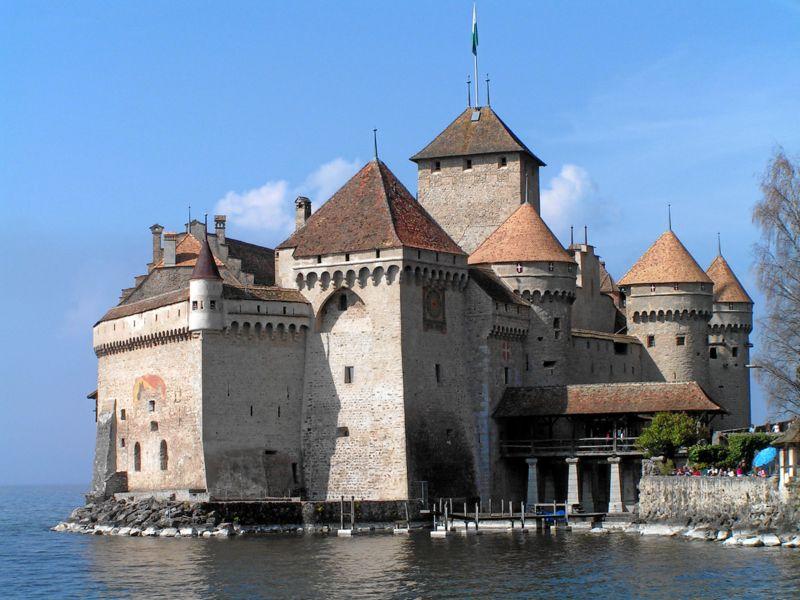 Du lịch Thụy Sĩ tham quan lâu đài Chillon