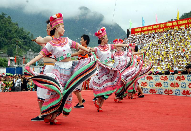 Những lễ hội độc đáo diễn ra trong dịp lễ tết dương lịch ở vùng Đông Bắc