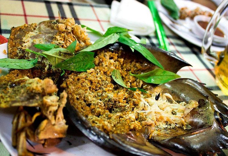 Mách bạn những địa điểm ăn uống thơm ngon bổ rẻ ở Vịnh Hạ Long