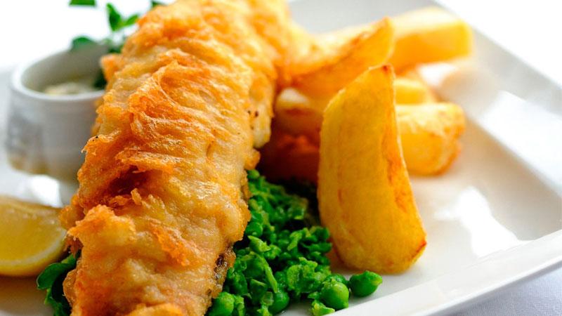 Món ăn nhanh Fish and chips phổ biến tại Anh quốc