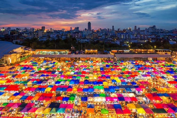 Đến Thái Lan đi mua sắm ở đâu?