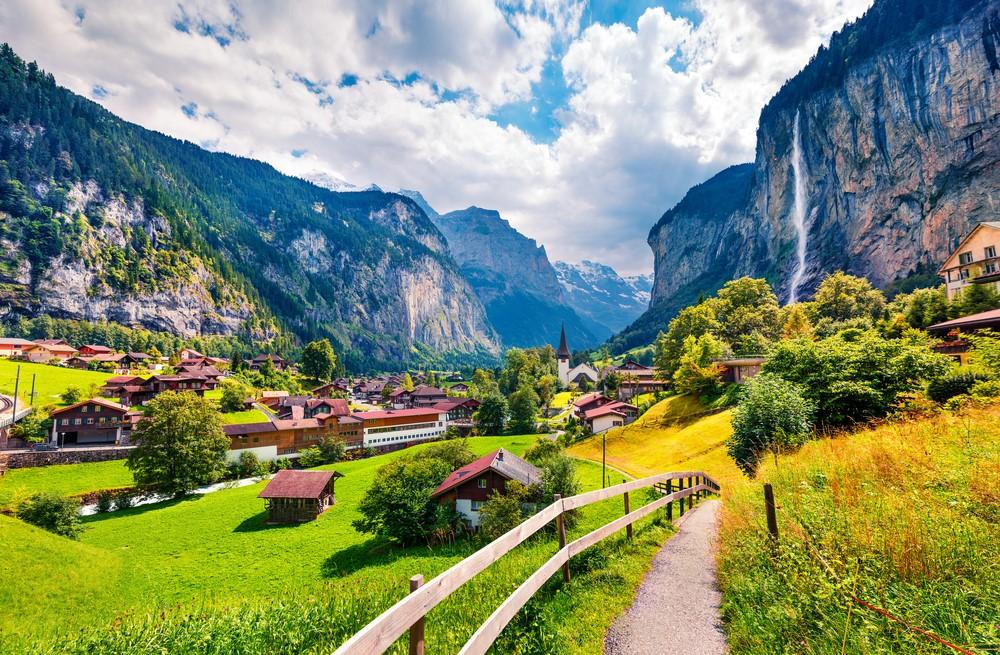Ngôi làng Lauterbrunnen