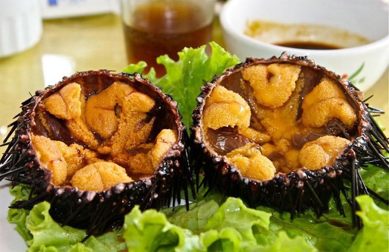 Nhum nướng Phú Quốc là món ăn hải sản có giá cả phải chăng