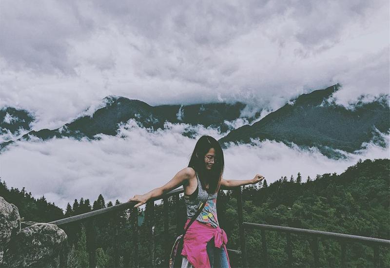 Trèo lên đỉnh núi Hàm Rồng để ngắm toàn cảnh Sapa vô cùng hùng vĩ