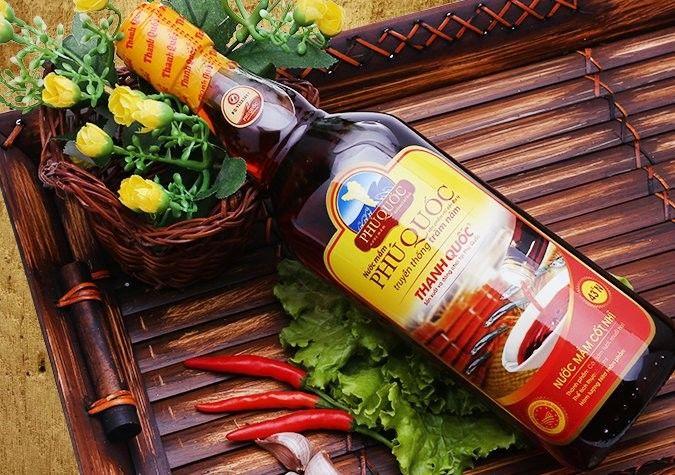 Một trong những món quà độc đáo của Phú Quốc chính là hương vị nước mắm đậm đà