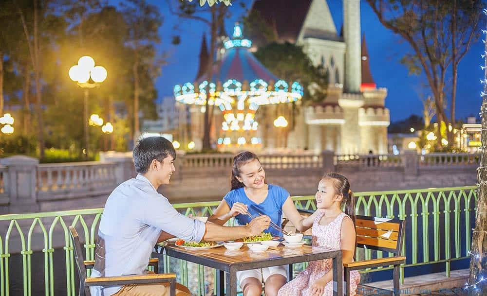 Tận hưởng phố ẩm thực Vinpearl Land Phú Quốc