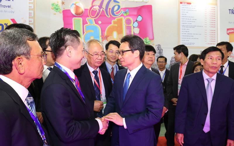 Phó thủ tướng ghé thăm gian hàng Du Lịch Việt tại VITM 2019
