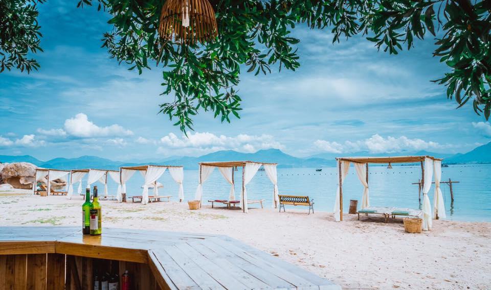 Khu du lịch Sao Biển là điểm đến du lịch Nha Trang được giới trẻ săn đón