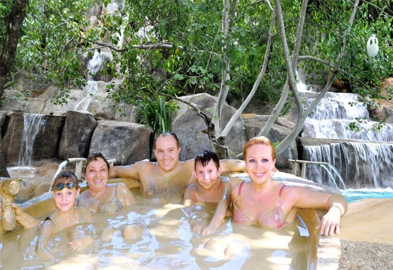 Trải nghiệm tắm bùn khi đi du lịch Nha Trang