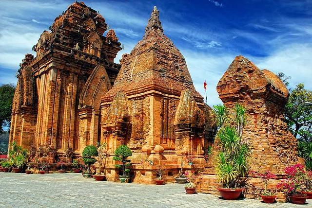 Tháp bà Ponagar - Nha Trang