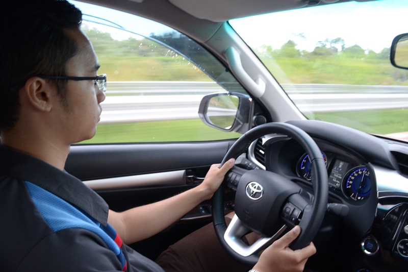 Thử lái xe trước khi đi du lịch đà nẵng