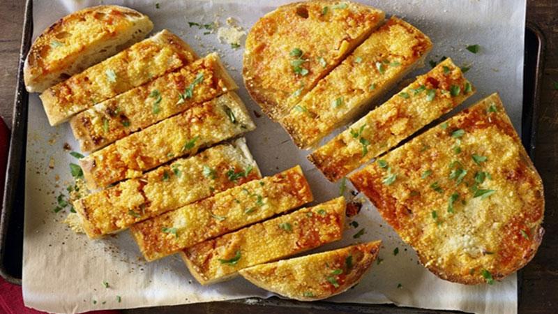 Thưởng thức đồ ăn sáng với món bánh mì nướng cực hấp dẫn