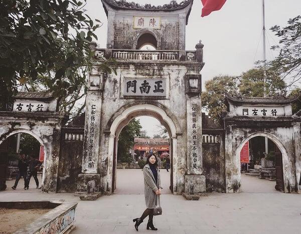 Đi tour lễ chùađầu năm ghé thăm Đền Trần