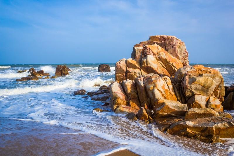 Thả hồn vào làn nước trong lành của biển cả Nha Trang khi đi du lịch Miền Trung lễ 2/9