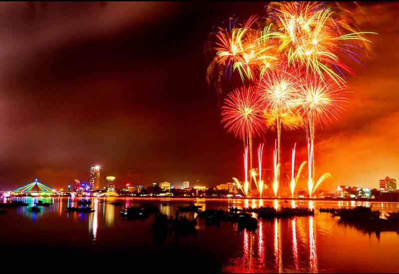 Chương trình bắn pháo hoa thường xuyên được diễn ra tại Đà Nẵng vào dịp tết dương lịch