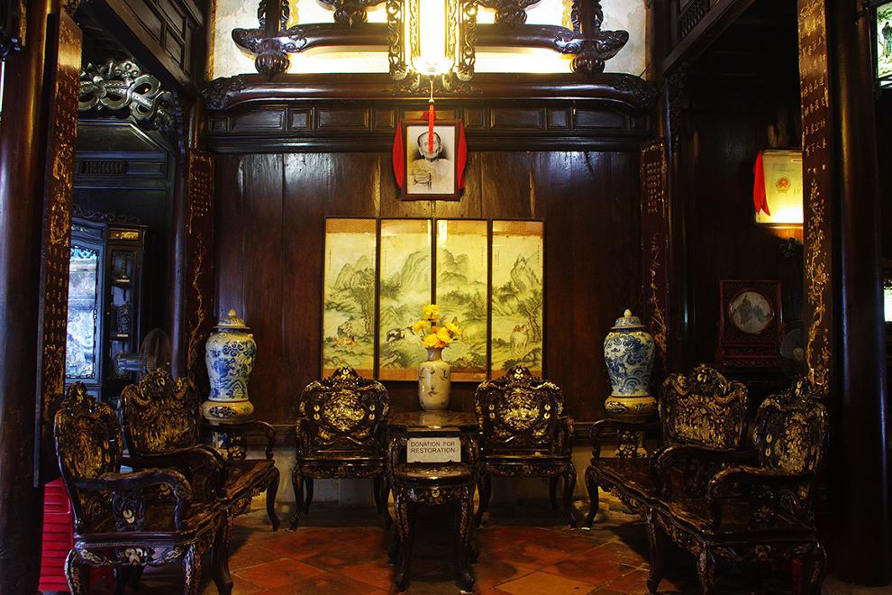 Nhà cổ Tấn Ký còn lữu giữ rất nhiều hiện vật, ký ức của một thời đã qua. tour hoi an, tour du lich hoi an.