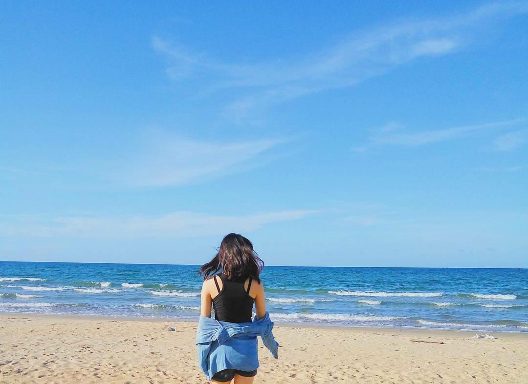 Đây cũng là bãi biển tour miền Trung được nhiều bạn trẻ ưa thích đến đây sống ảo.