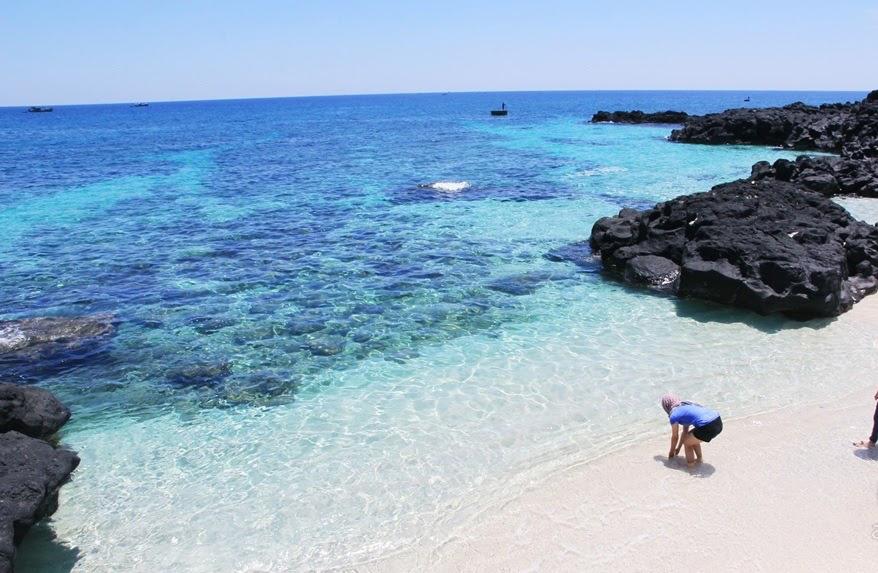 Đảo Lý Sơn - điển đến tour miền Trung bạn không thể nào bỏ lỡ.