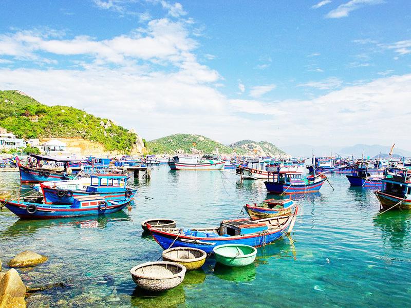 Tour Nha Trang - Du lịch Nha Trang và đắm mình trong làn nước trong xanh của đảo Bình Ba