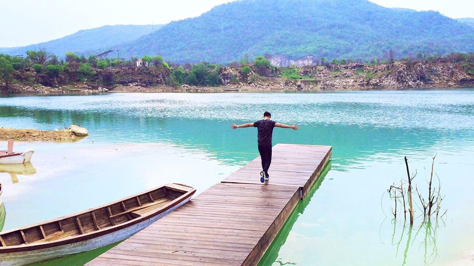 Đã đi tour du lịch Vũng tàu thì phải qua hồ Đá Xanh lạ lùng này sống ảo ngay.