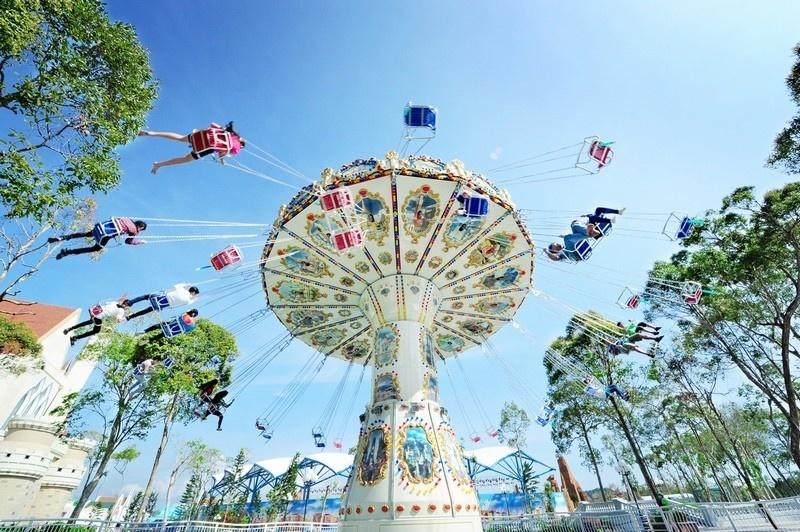 Trải nghiệm những trò chơi mạo hiểm thú vị trong Vinpearl Land du lịch mùa thu Phú Quốc